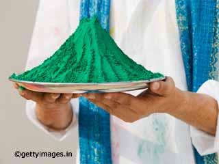 कृत्रिम रंग और हर्बल रंग