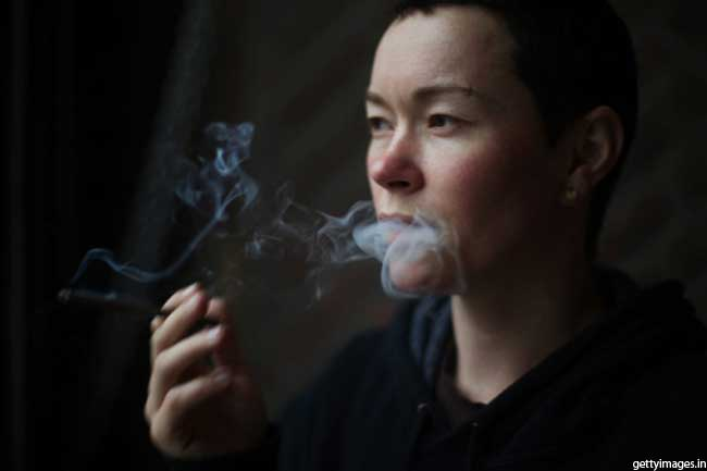 धूम्रपान से रहें दूर
