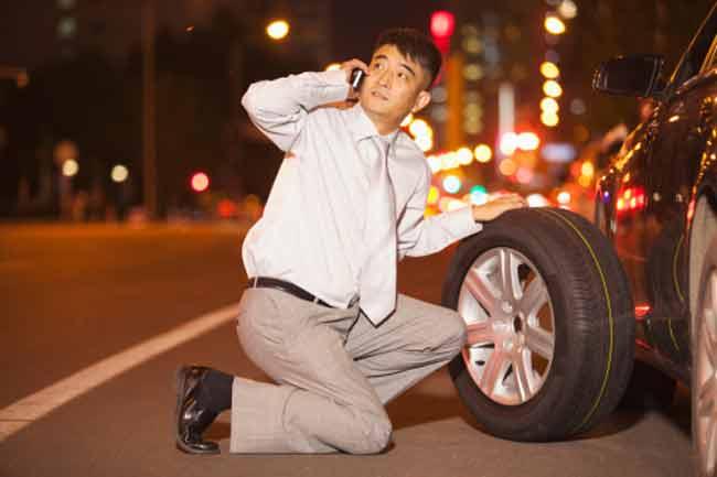 टायर बदलना