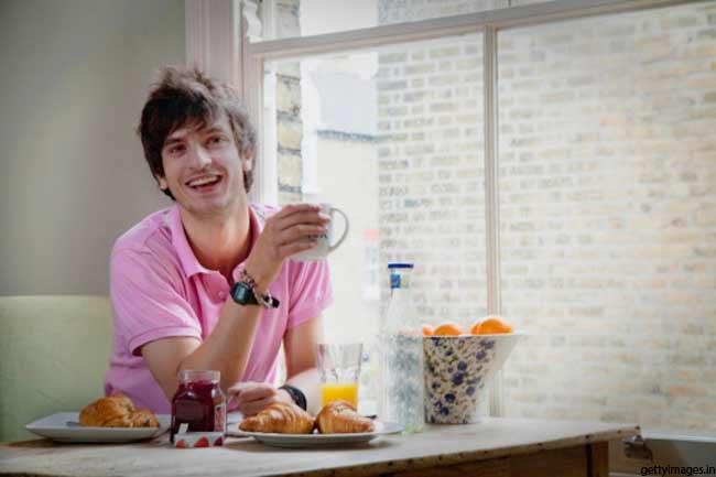 पूर्वाह्न में नाश्ता
