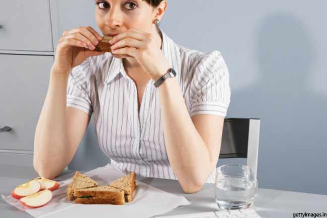 धीरे खाएं