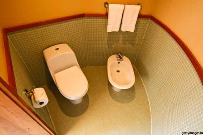 टॉयलेट सीट से नहीं फैलता