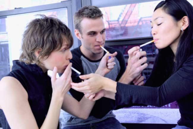 विद्रोही धूम्रपान करने वाले (Rebel smoker)