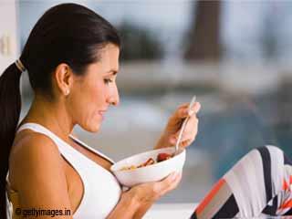 गर्भावस्था के बाद वजन कम करने वाले सर्वश्रेष्ठ आहार