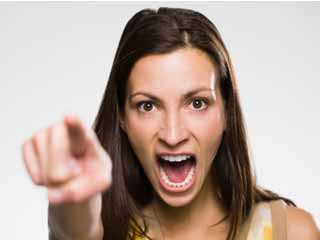 अपनी गर्लफ्रेंड के गुस्से को कैसे करें शांत