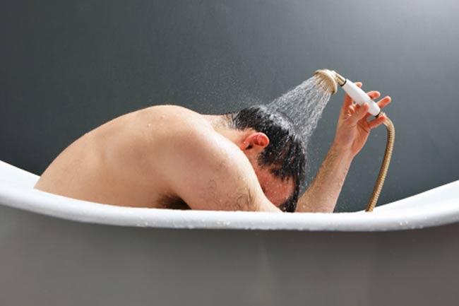 ठंडे पानी से नहाने की आदत