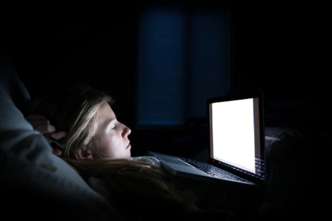 पर्याप्त नींद नहीं मिलना