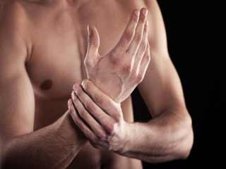 पुरुषों में ऑस्टियोपोरोसिस का खतरा बढ़ाने वाले 7 कारक
