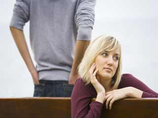 इन दस कारणों से रिश्तों से दूर होते हैं लड़के