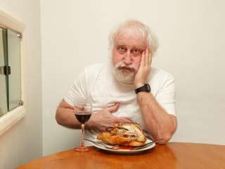 खाने के बाद क्यों होता है आपके पेट में दर्द
