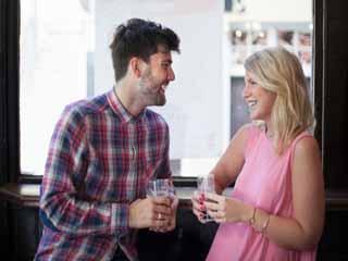 पहली मुलाकात में फिदा होने के लक्षण