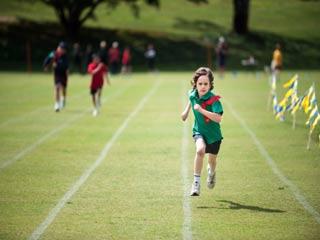 दौड़ने के दौरान लगने वाली चोटों से कैसे बचें