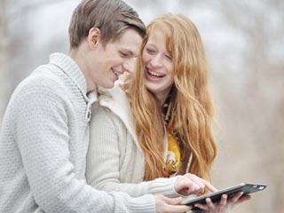 गर्लफ्रेंड के चेहरे पर कैसे सदा कायम रखें मुस्कान