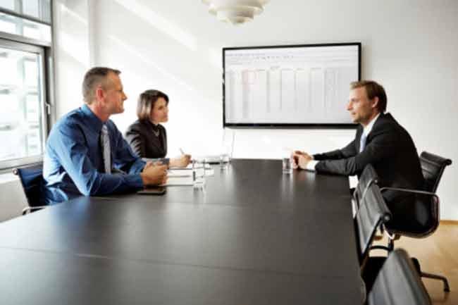 मीटिंग ऐजेंडे के साथ हो