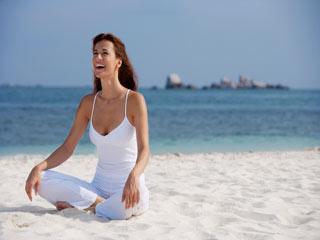 हंसी और योग की जुगलबंदी है सेहत के लिए कमाल