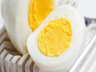अंडे के फायदे और नुकसान के बारे में जानें