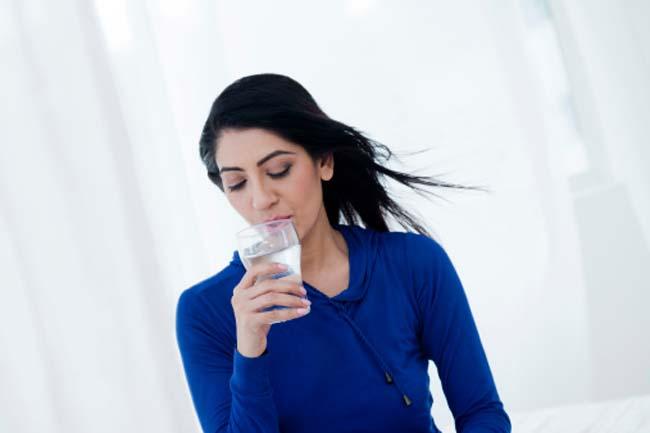 जितनी प्यास उतना ही पिएं