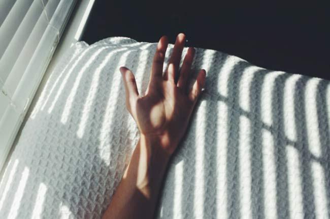 Fingertips Tinged Blue/Gray