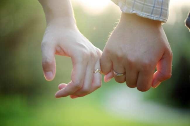प्यार का अनुभव करें