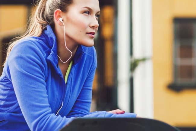 व्यायाम को दें संगीत का साथ