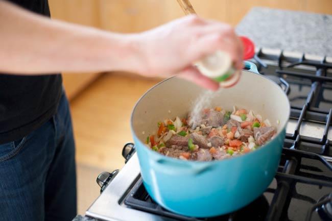 खाने को अच्छे से पकाये