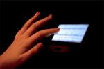 स्मार्ट फोन और लैपटॉप की नीली रोशनी कर सकती है मोटा