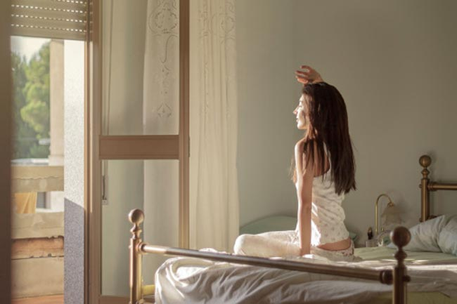 सुबह जल्दी उठने की आदत डालें