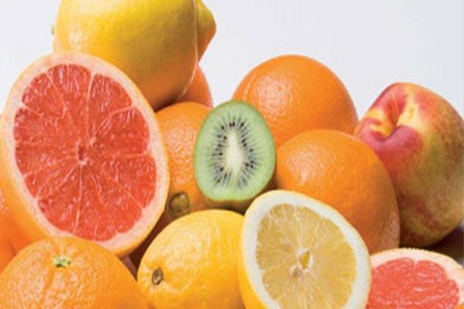 पीले और नारंगी फल