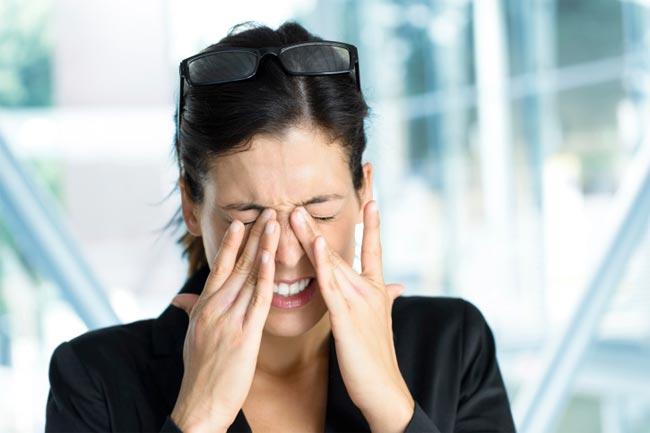 आंखों की थकान दूर करे