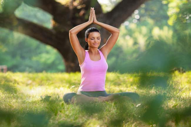 योग और ध्यान का सहारा