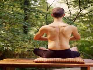 आपके शरीर को लचीला बनाएंगे ये योगासन