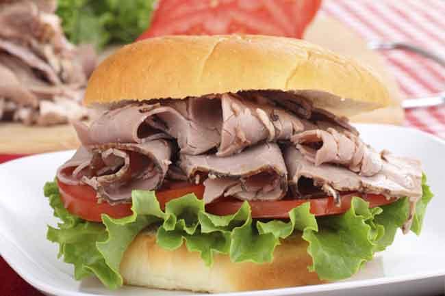 सुपर रोस्ट बीफ सैंडविच