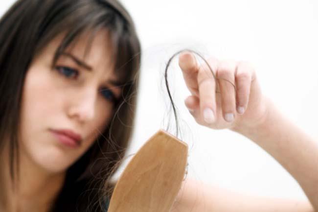 महिलाओं में बाल झड़ने का पैटर्न