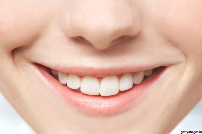 दांतों को मजबूत बनाएं