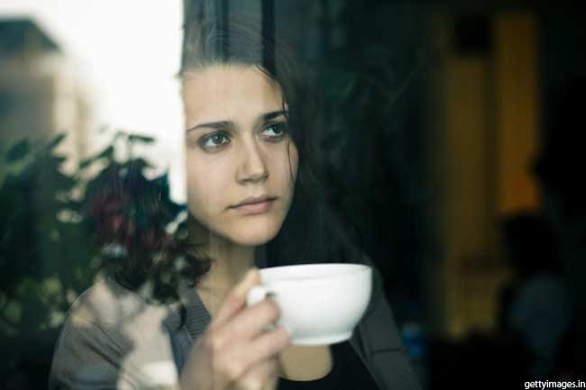 कॉफी पियें या चाय