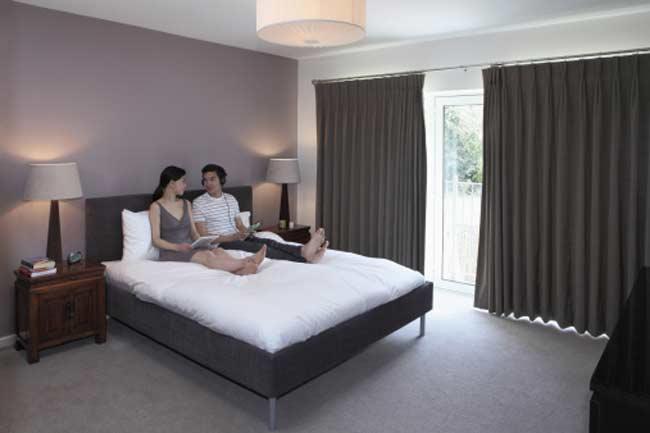 होटल में कमरा लीजिए