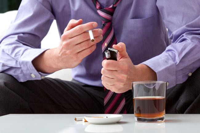 नशे से रहें दूर