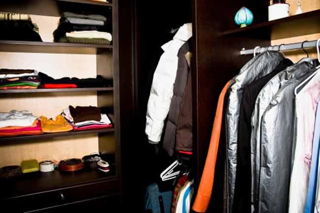 जरूरी कपड़े