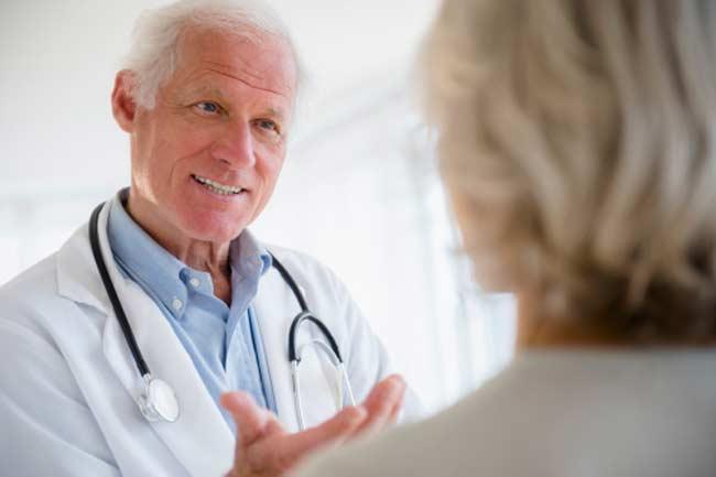 ब्रेस्ट कैंसर की संभावना को रोकने के लिए ब्रेस्ट की जांच कैसे करें ?