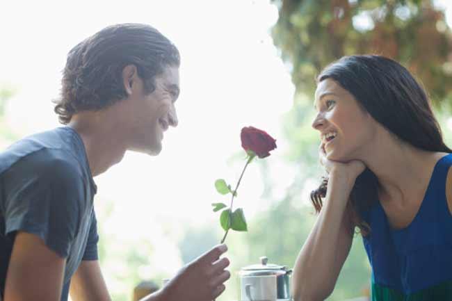 डेटिंग के सस्ते और मजेदार टिप्स