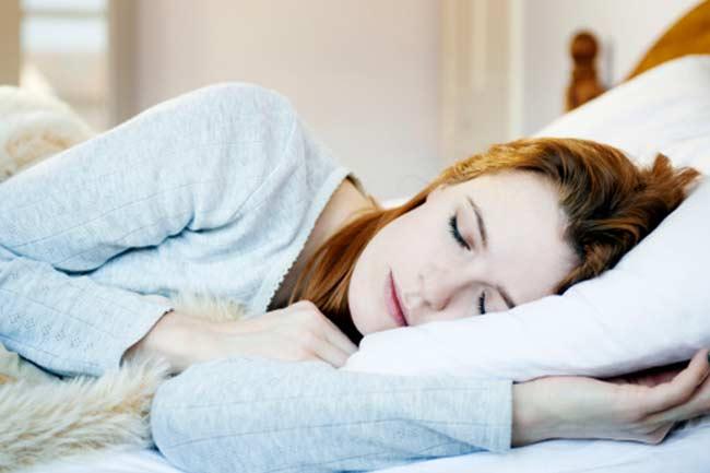 प्रोटीन के अलावा वर्कआउट और भरपूर नींद
