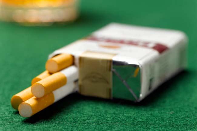 सिगरेट के पैकेट में संदेश