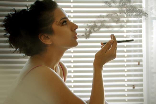 धूम्रपान आपको बूढ़ा बना सकता है