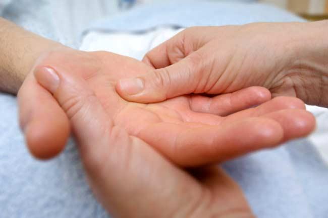 हाथों का मसाज