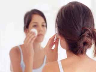 त्वचा की सामान्य समस्याओं से कैसे निपटें