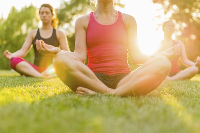 नियमित योग अभ्यास करें
