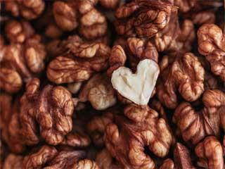 जैतून के तेल व नट्स से हो सकता है हृदय रोगों खतरा कम