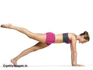 Abdominal Exercises - Plank with A Leg Twist