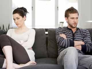 10 लक्षणों से जानिये वो नहीं हैं शादी की इच्छुक