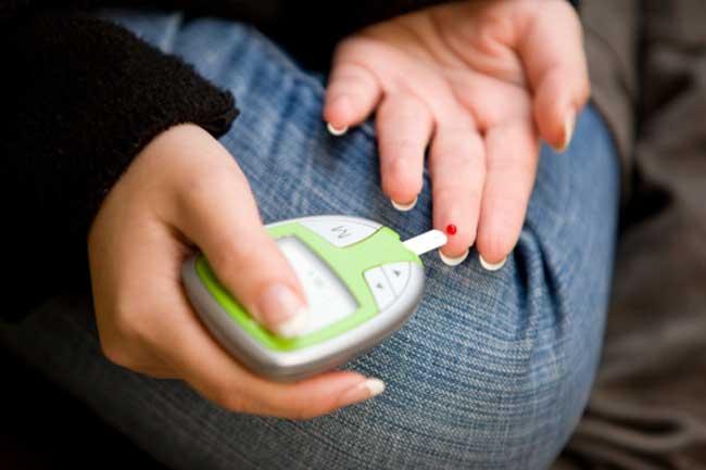 रक्त शर्करा परीक्षण के दर्द करें कम